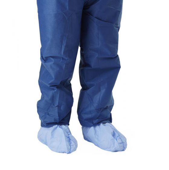 Non-Skid Medium Weight Coated Polypropylene Shoe Covers Size Regular 300Count NON30858 by Medline