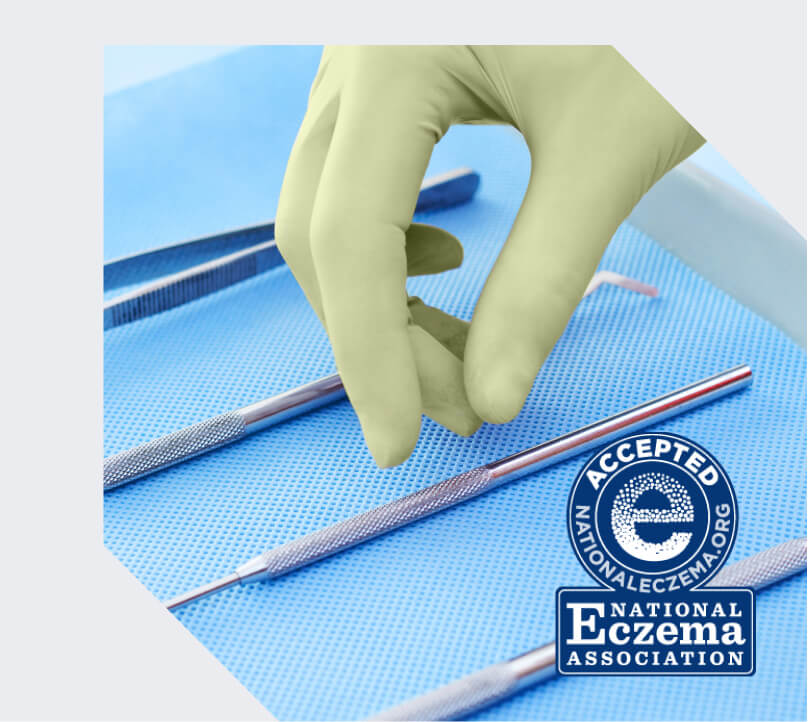 Restore Touch Nitrile Exam Gloves with maxOat+
